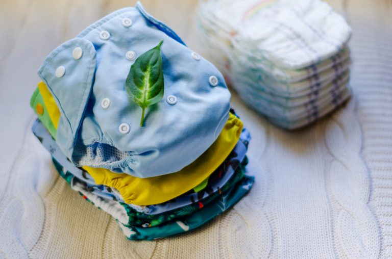 How to Use Cloth Diapers? (Step-By-Step Guide)